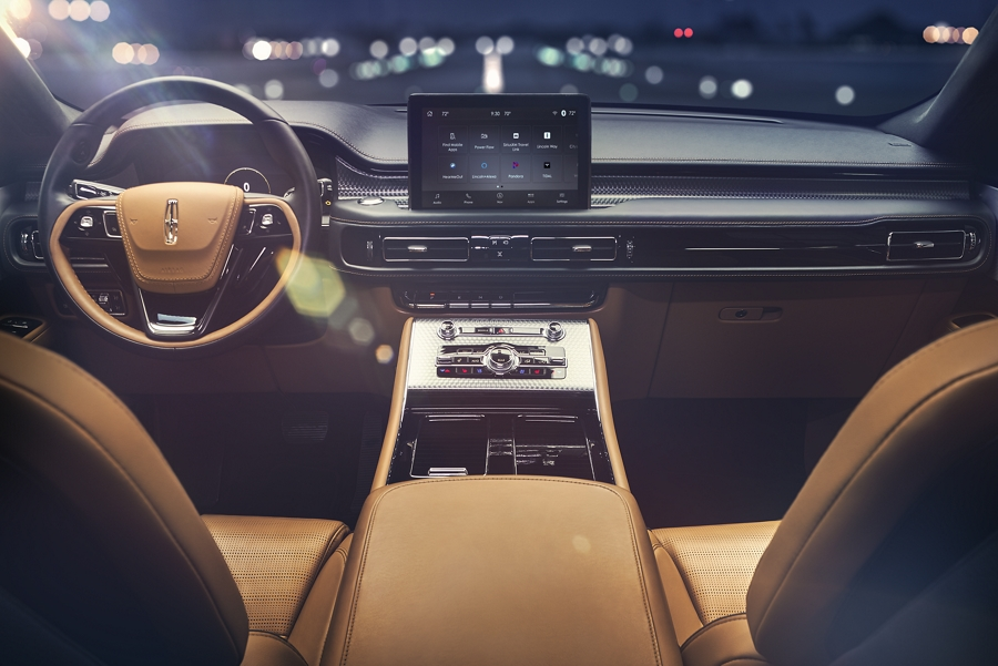 2020 Interior view of the Lincoln Aviator Black Label