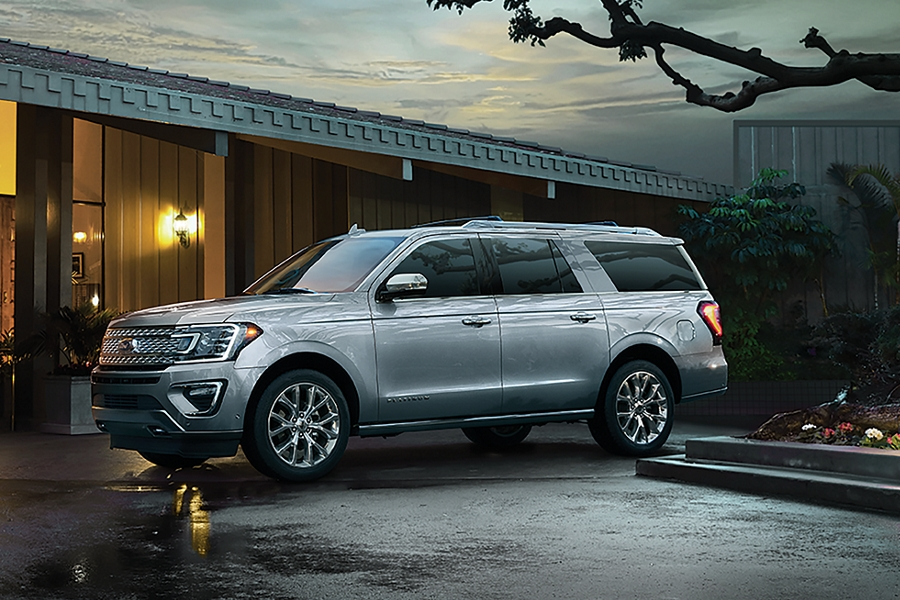 2019 Ford Expedition parked in front of building