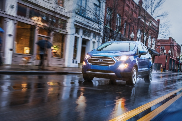2020 Ford EcoSport Titanium on a city street in the rain