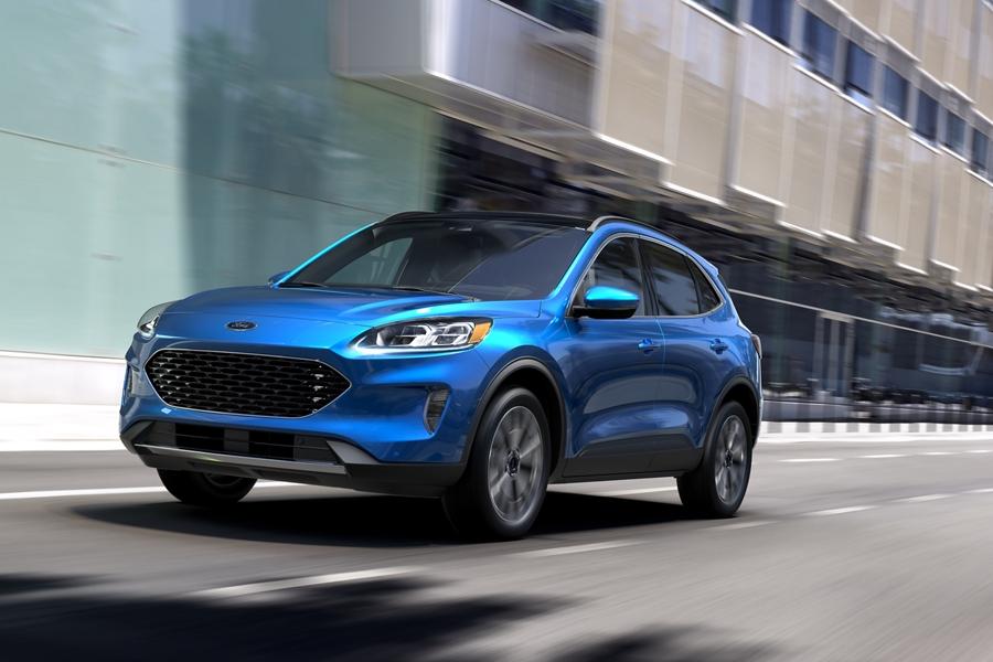 2020 Ford Escape Titanium Hybrid AWD in Velocity Blue