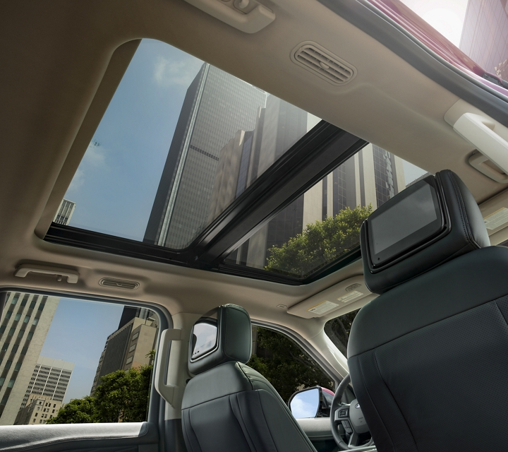 Panoramic Vista Roof available on 2020 Ford Expedition