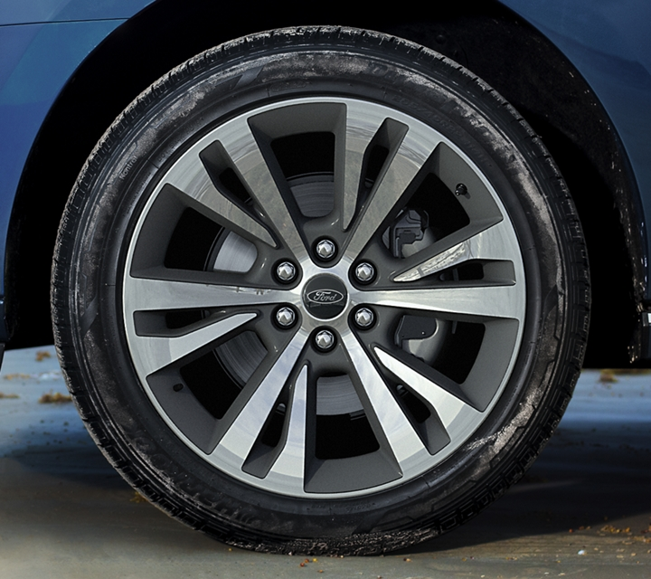 2020 Ford Expedition Platinum with standard 22 inch six spoke painted machined face aluminum wheels