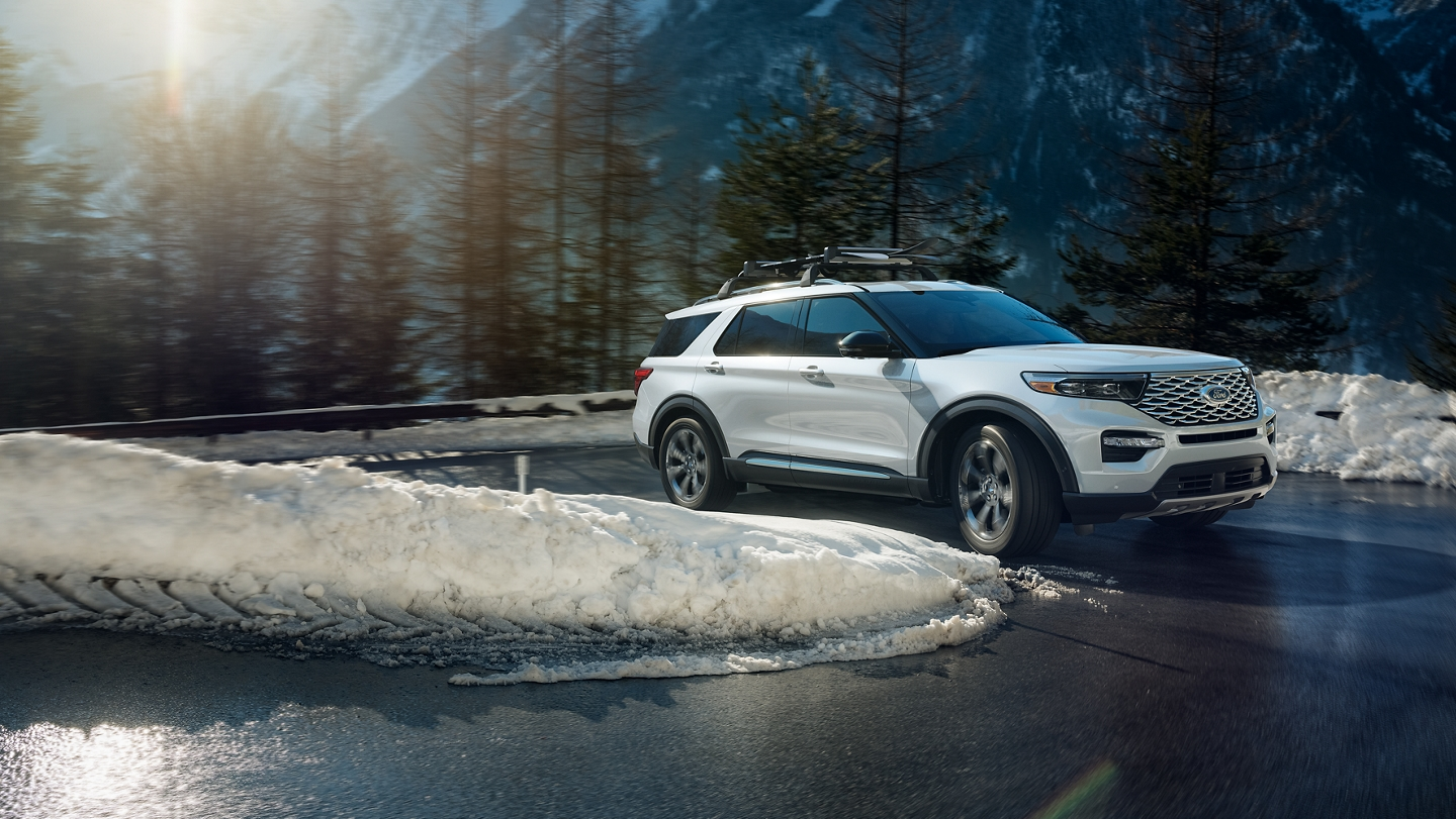 2020 Ford Explorer with available Intelligent 4 Wheel Drive