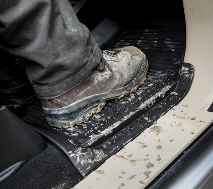 Muddy boot on 2020 Ford Super Duty heavy duty floor mat