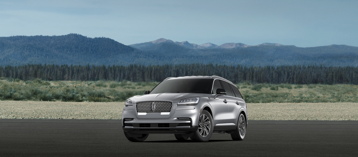 A 2021 Lincoln Aviator standard model is shown