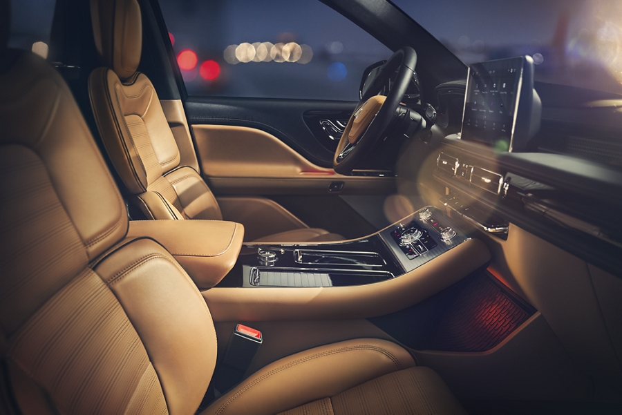 The interior of a 2021 Lincoln Aviator Black Label model is shown in the Flight theme