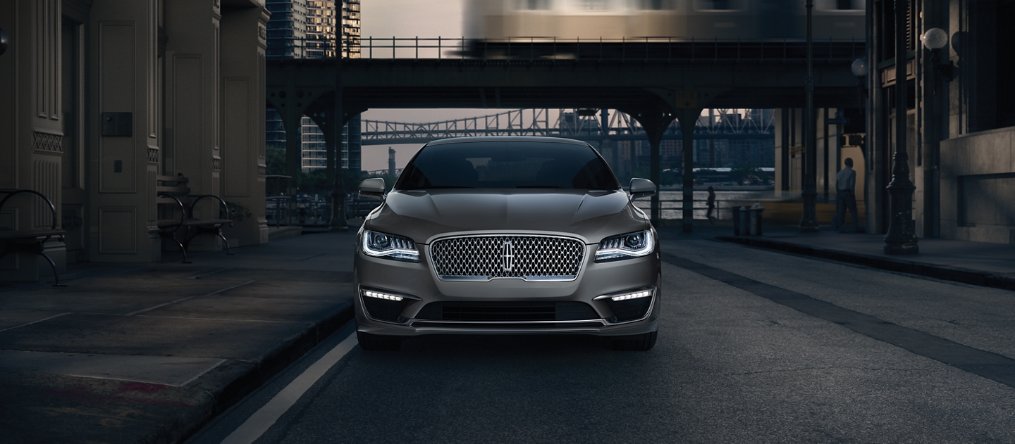 City shadows help the front lights of the 2020 Lincoln M K Z appear very inviting