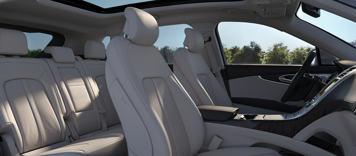 A cutaway side view of the 2020 Lincoln Nautilus shows the available Ultra Comfort front seats