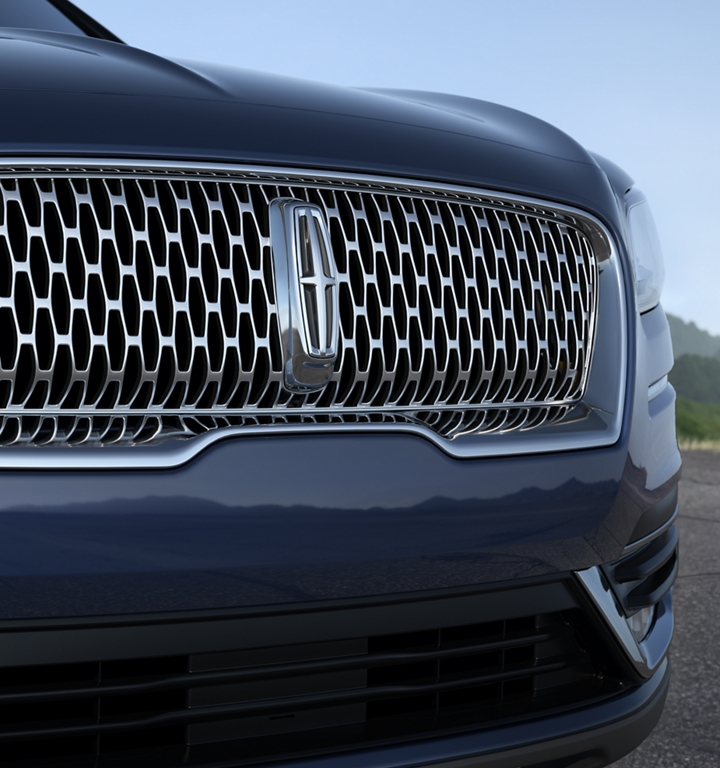 The Lincoln signature grille is shown on the 2020 Lincoln Nautilus
