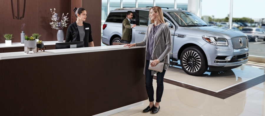 Lincoln Service counter shown here with Lincoln Aviator at a distance