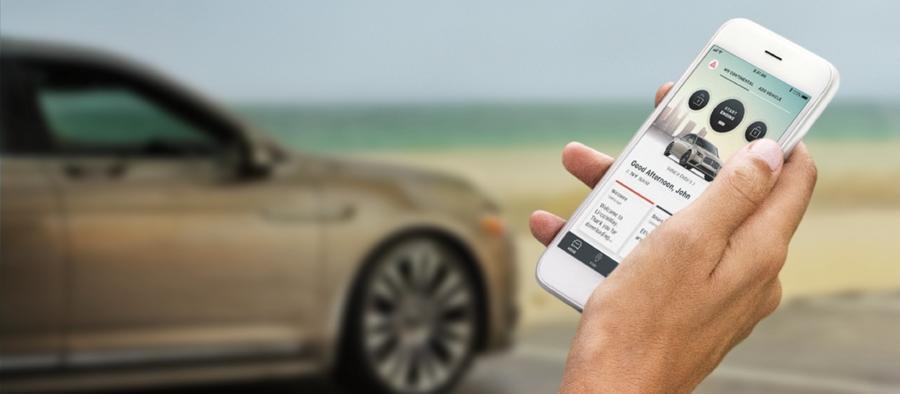 Se muestra la aplicación móvil Lincoln Way