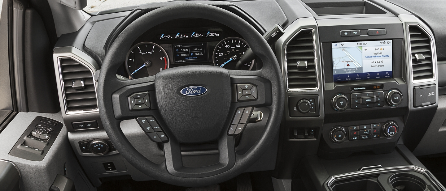 2020 Ford Super Duty Chassis Cab Steering Wheel and Front Interior