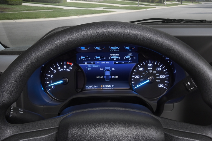 Close up of the electronic message centre in the 2021 Ford E Series Cutaway