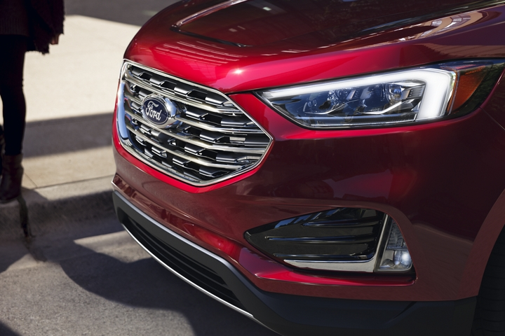 2020 Ford Edge shown in Rapid Red Metallic Tinted Clearcoat