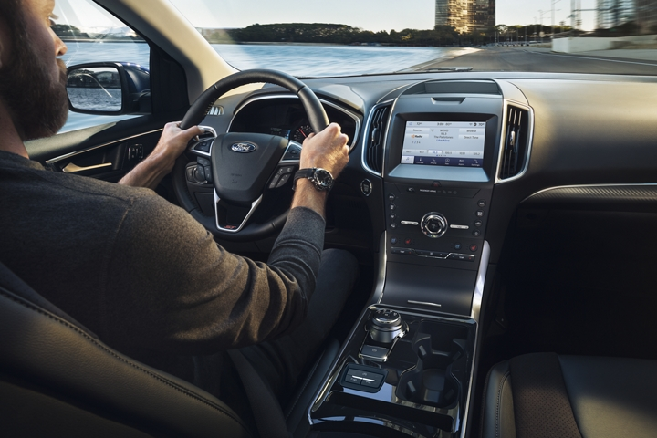 2020 Ford Edge Interior console