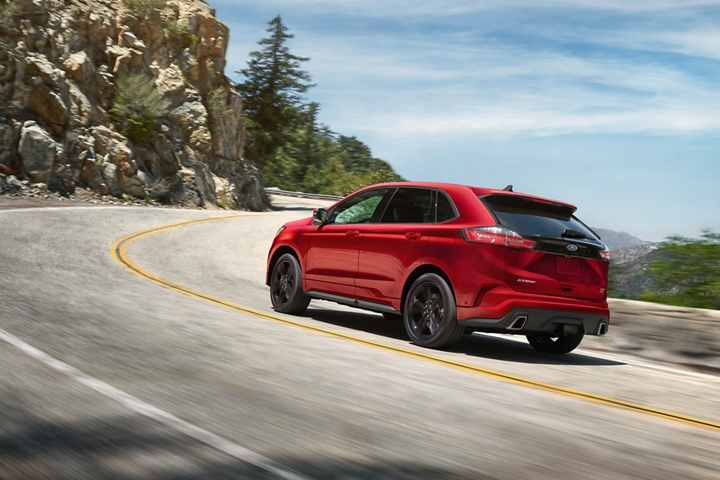2020 Ford Edge about to take a curve in the road