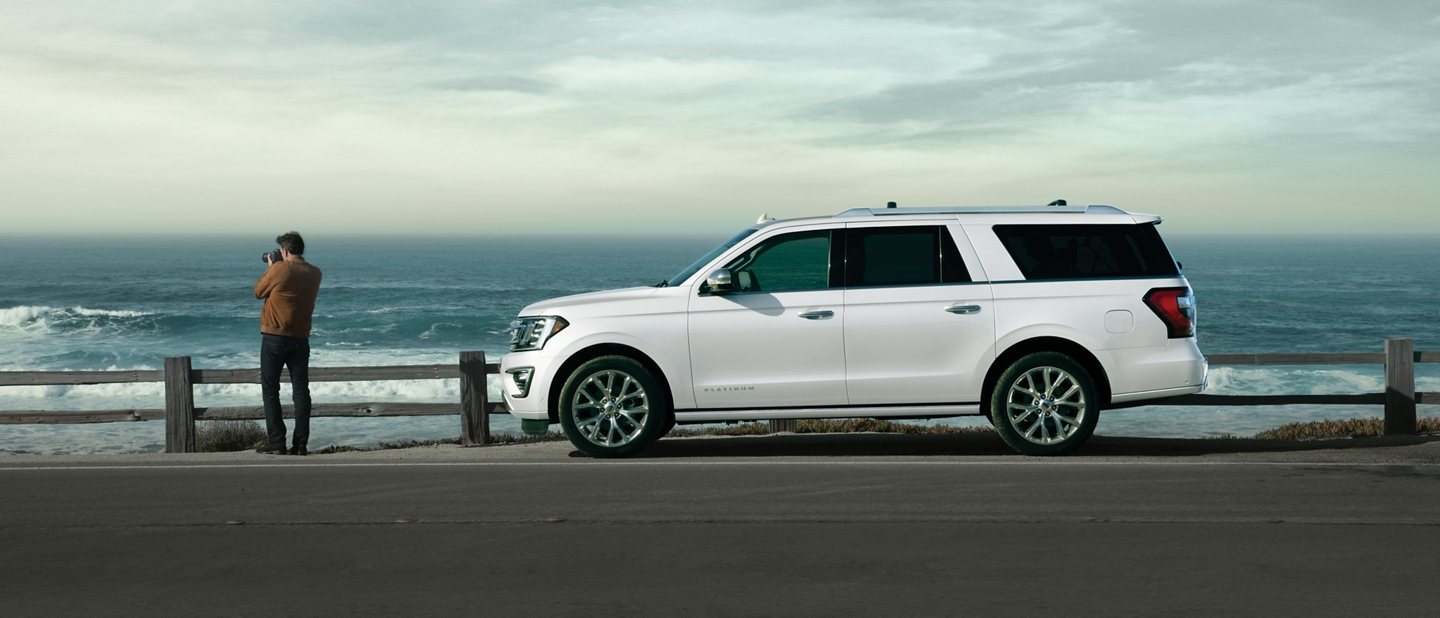 2019 Ford Expedition exterior styling