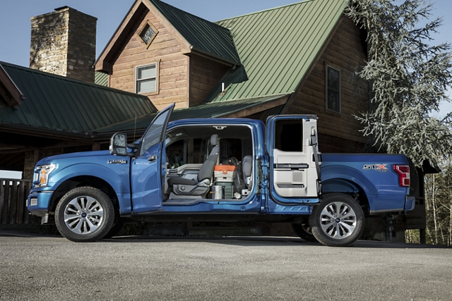 2020 Ford SuperCab with driver side doors open