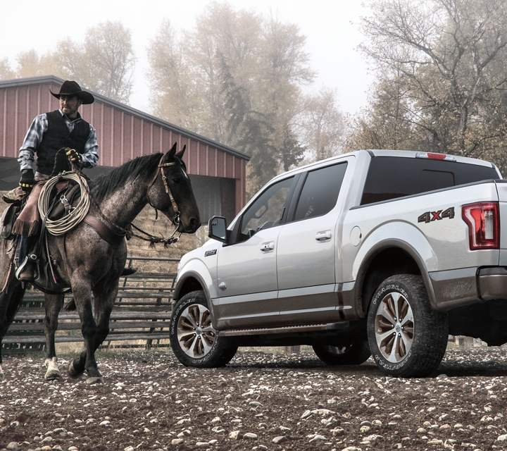 Ford F-150 King Ranch SuperCrew 2020 avec ensemble XTR