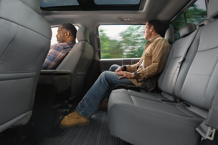 2020 Ford F 1 50 SuperCrew Two rows of seating side view