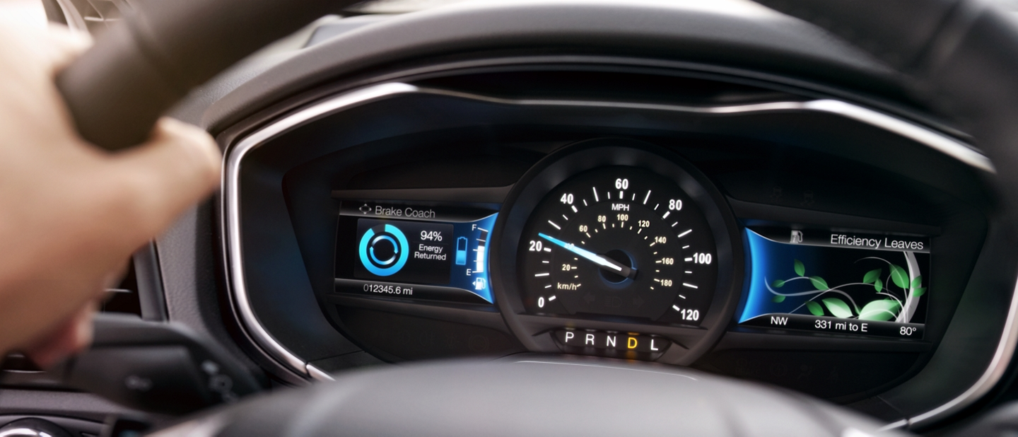 Hybrid Titanium instrument cluster displaying the breaking coach