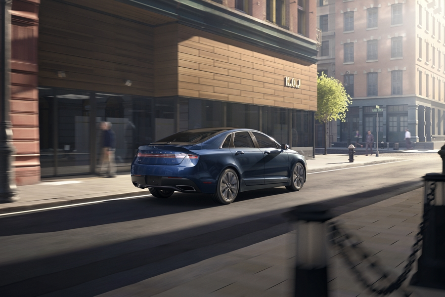 2020 Lincoln M K Z shown in rhapsody blue in the city