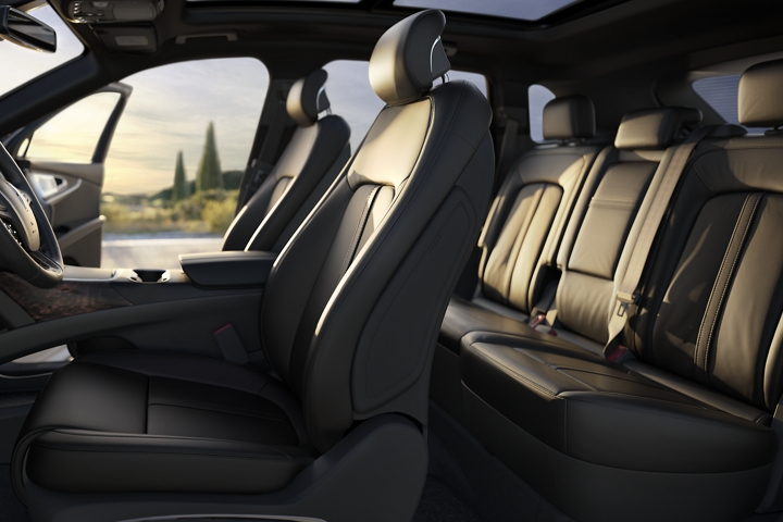 Available leather trimmed Ultra Comfort front seats and second row seats are shown in the Ebony interior colour