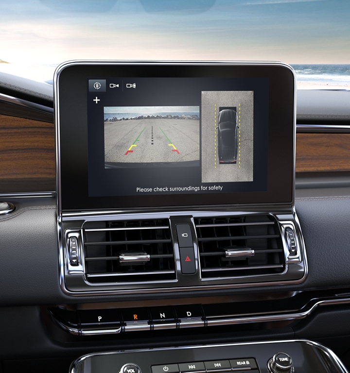 The 360 degree camera view is shown on the centre console touch screen