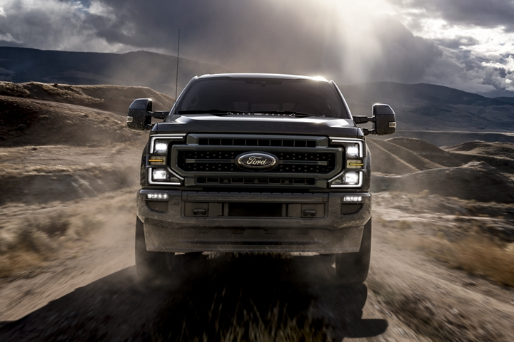 2020 Ford Super Duty LARIAT with Sport Appearance Package in Magnetic