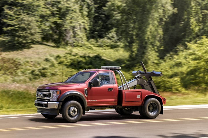 2020 Ford Super Duty Chassis Cab F 4 50 X L T in Race Red