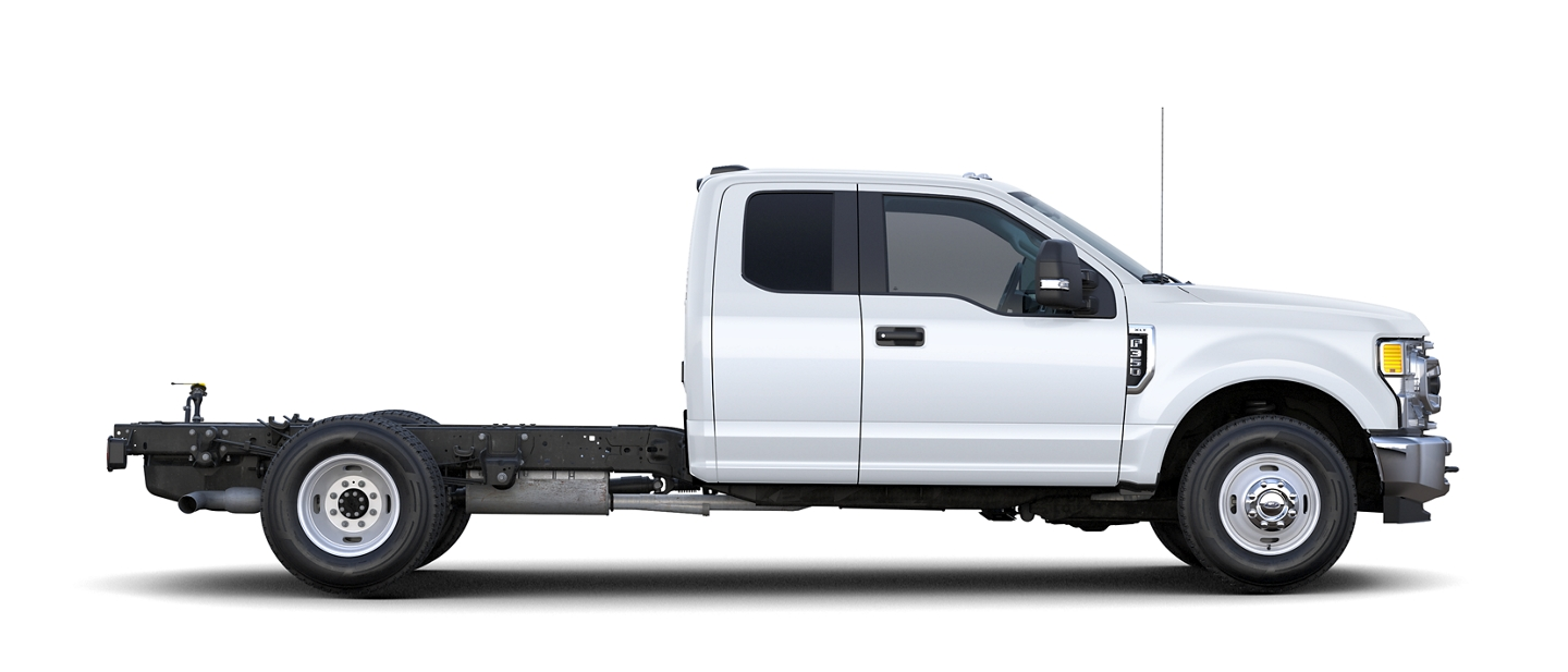 Vista Lateral de la Ford Super Duty F 3 50 Lariat 2020
