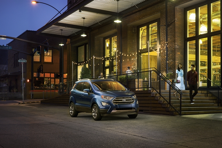 2019 Ford EcoSport Titanium in Lightning Blue looking good at night