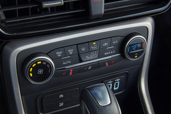 2019 EcoSport offers climate control options