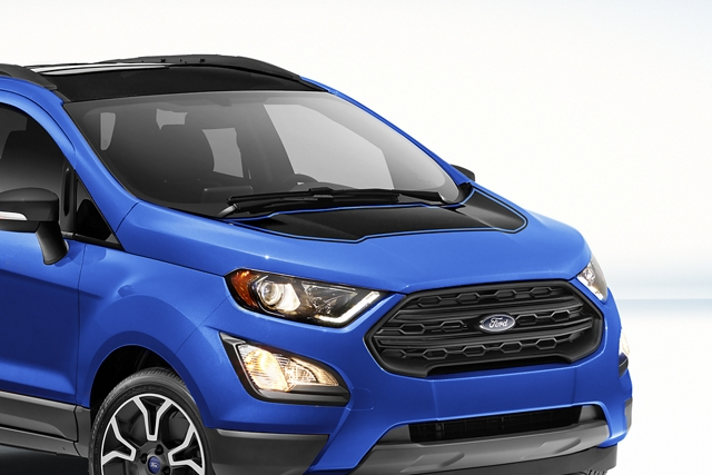 Front view of 2019 EcoSport in Lightning Blue with hood decal