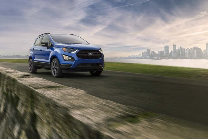 2019 Ford EcoSport S E S in Lightning Blue on mountain road