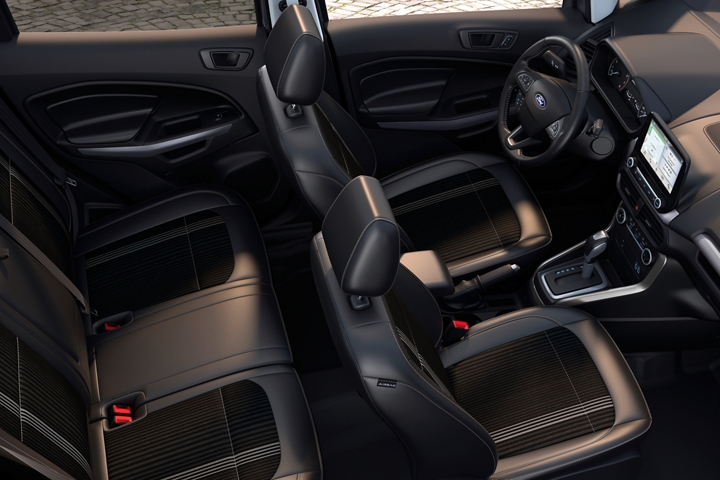 2019 Ecosport S E S interior with ebony black seating with Active X trimmed seating material and bold Ano Gray accents