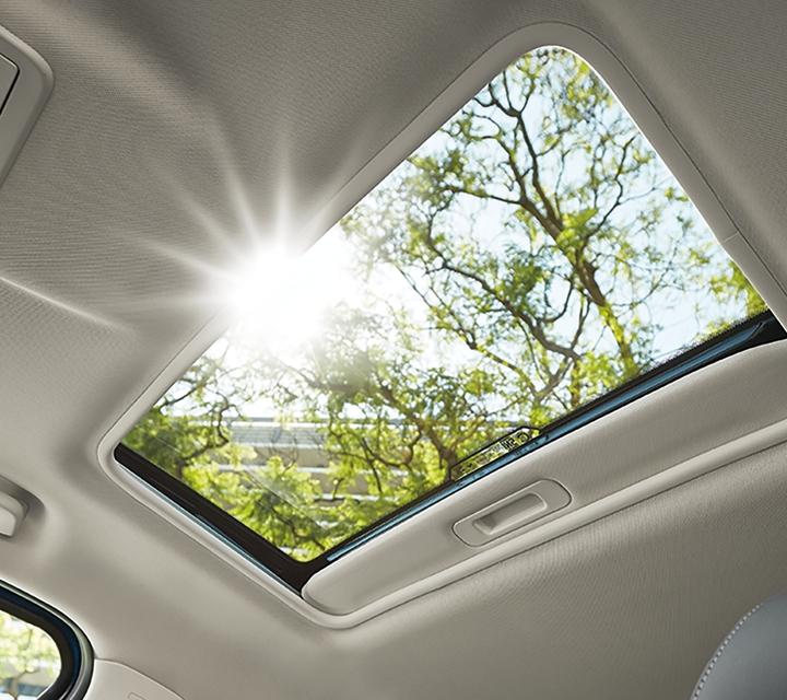 Una Ford EcoSport Titanium 2020 con techo corredizo eléctrico
