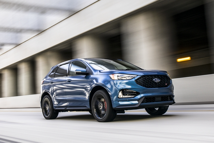2020 Ford Edge S T showing off its impressive horsepower