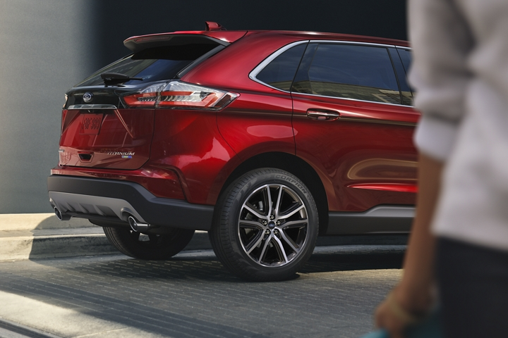 2020 Ford Edge rear fascia in Rapid Red