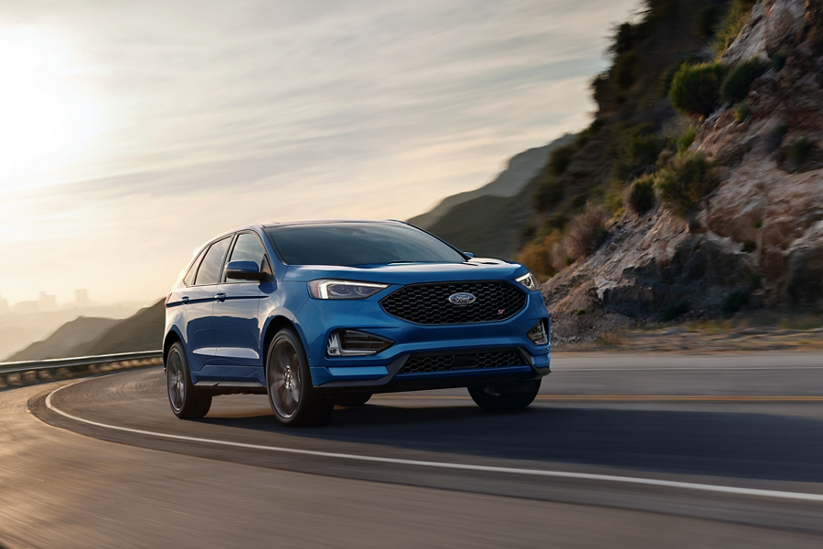 2020 Ford Edge escaping the city