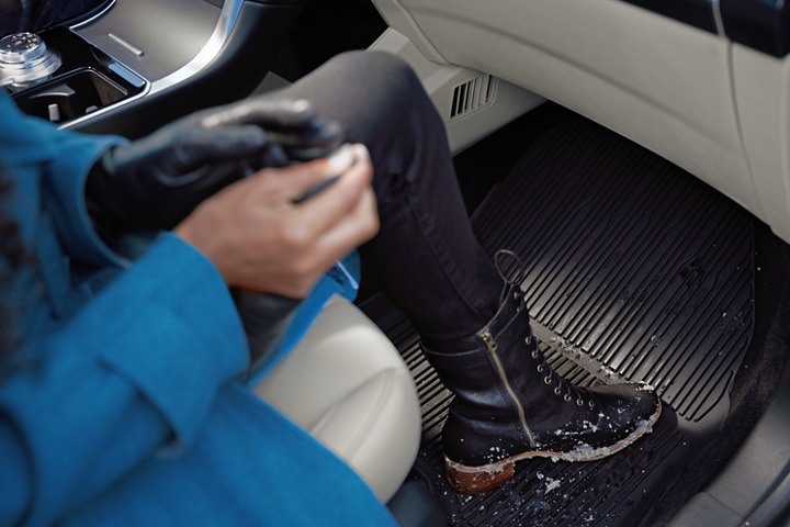 2020 Ford Edge with optional floor liner
