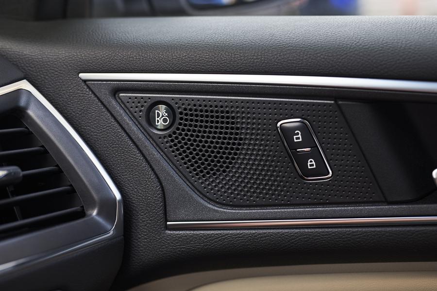 Sistema de Sonido B and O de Bang and Olufsen de la Ford Edge2020