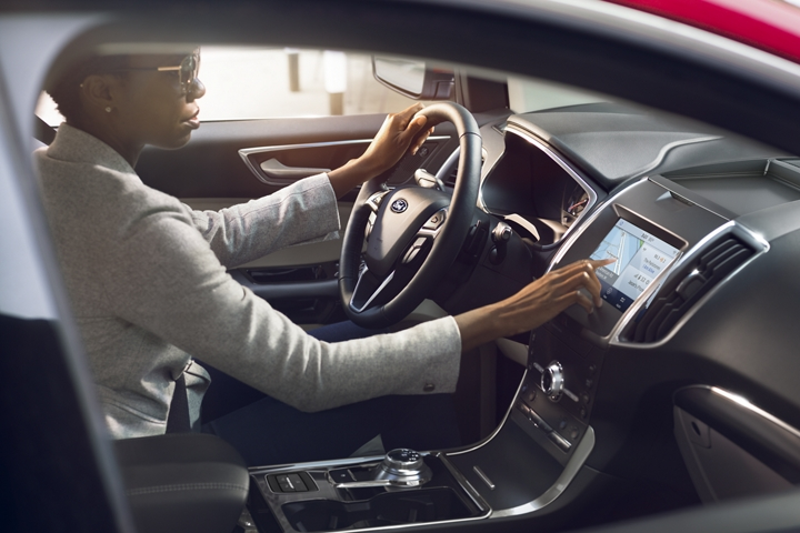 2020 Ford Edge with SYNC 3