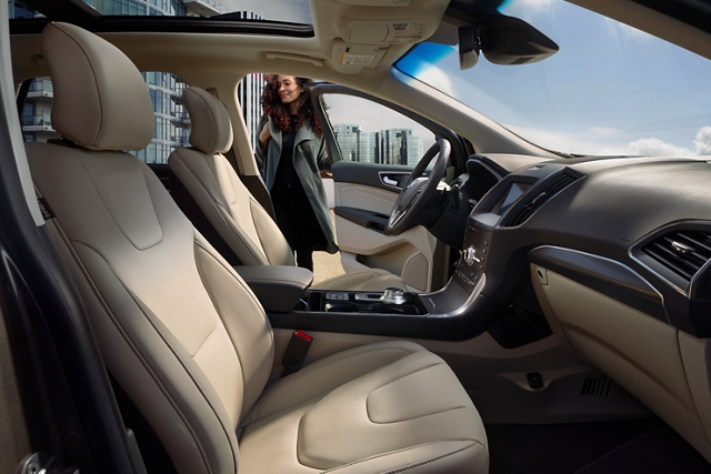 2020 Ford Edge interior design shown with available leather trimmed seats