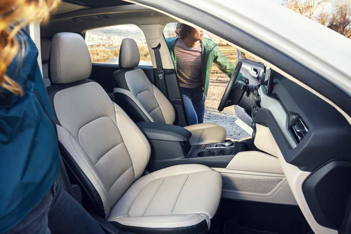 Available 2020 Ford Escape S E Sport Hybrid Premium Package interior