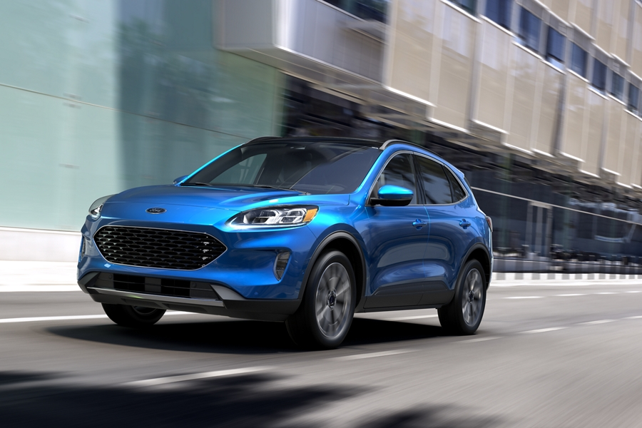 2020 Ford Escape Titanium Hybrid AWD in Velocity Blue