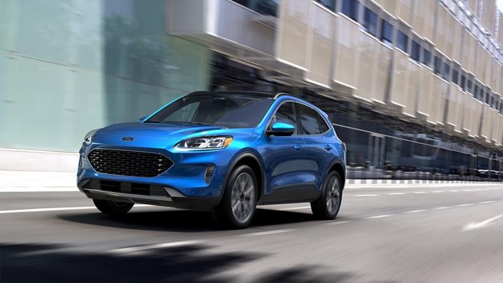 Ford Escape 2020 en Velocity Blue está Construida con Orgullo Ford