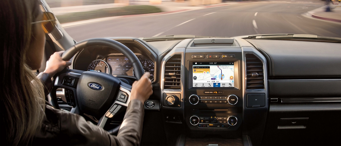 2019 Ford Expedition with Waze