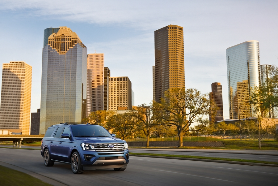 2020 Ford Expedition Limited in Blue looking good in the city