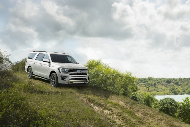 2020 Ford Expedition with Hill Start Assist and Hill Descent Control